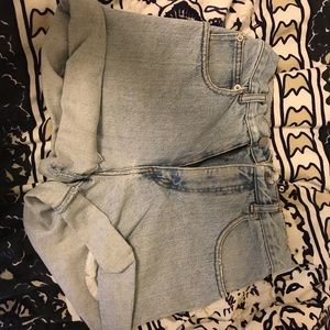 Light wash vintage distressed guess shorts